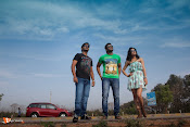 Bombai mitai Movie Stills-thumbnail-3