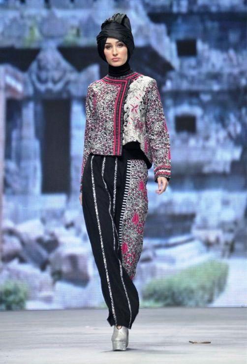 Model Baju Batik Wanita Lengan Panjang Modis