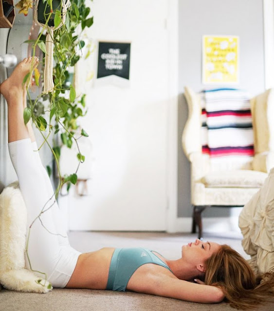 tu-the-yoga-Legs-Up-The-Wall