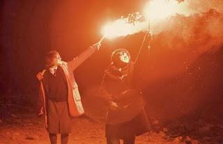 submarine-2010-oliver-jordana-fuego-rojo