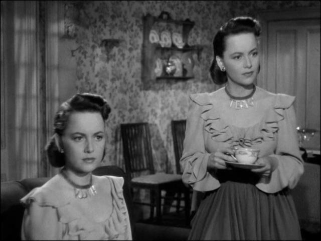 Olivia de Havilland joue deux jumelles dans La double énigme réalisé par Robert Siodmak (1946)