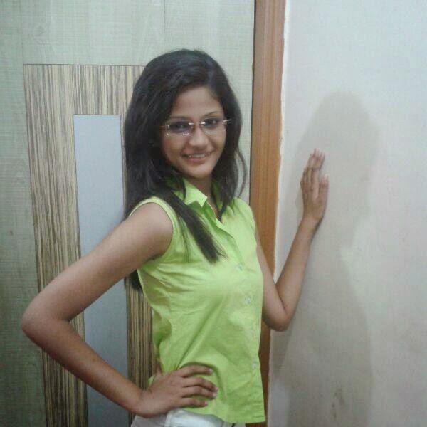siddhi karkhanis marathi actress young