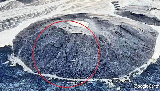 Ruínas misteriosas no deserto da Arábia Saudita - Imagem 1