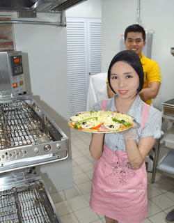trixia salonga yellow cab cavite pizza making