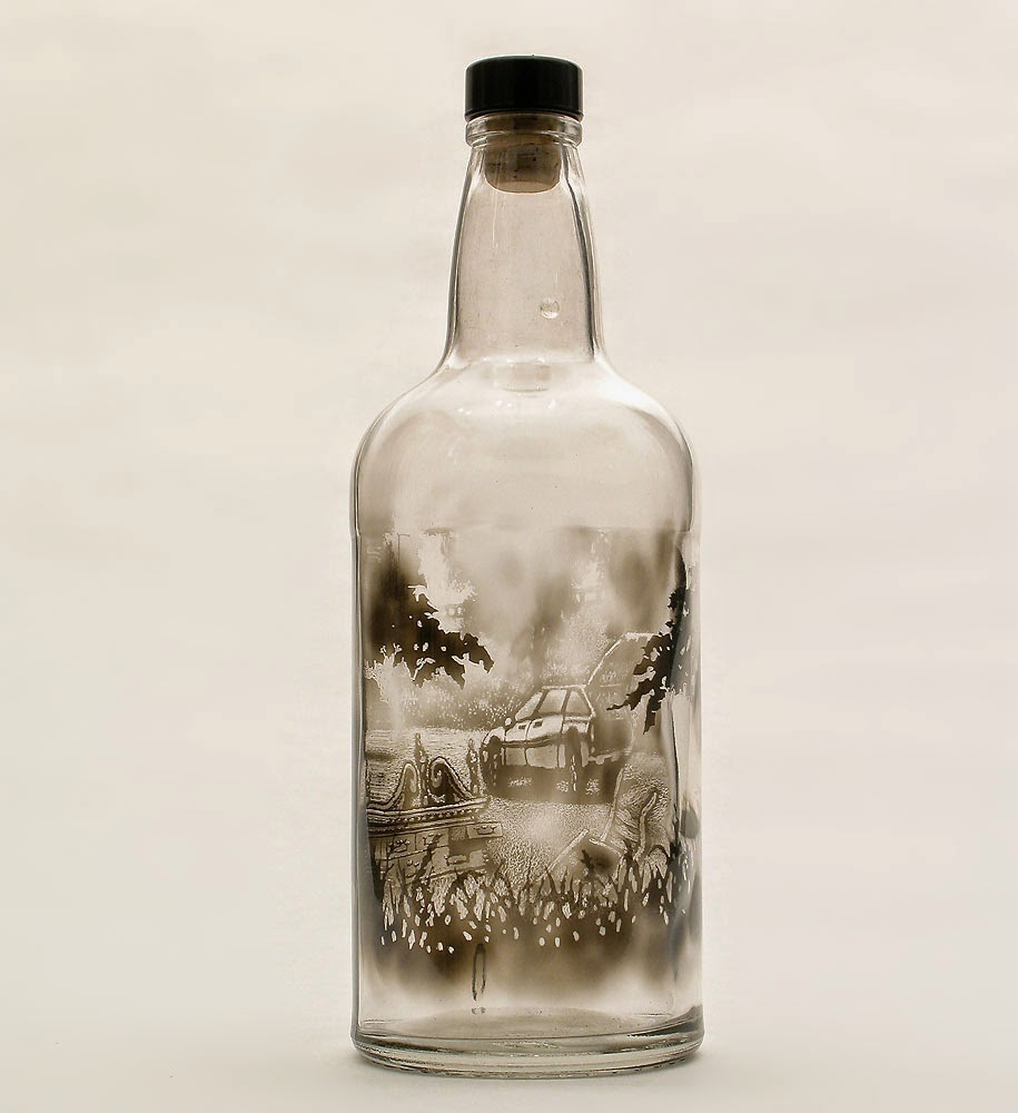 Miniature scenes on bottles