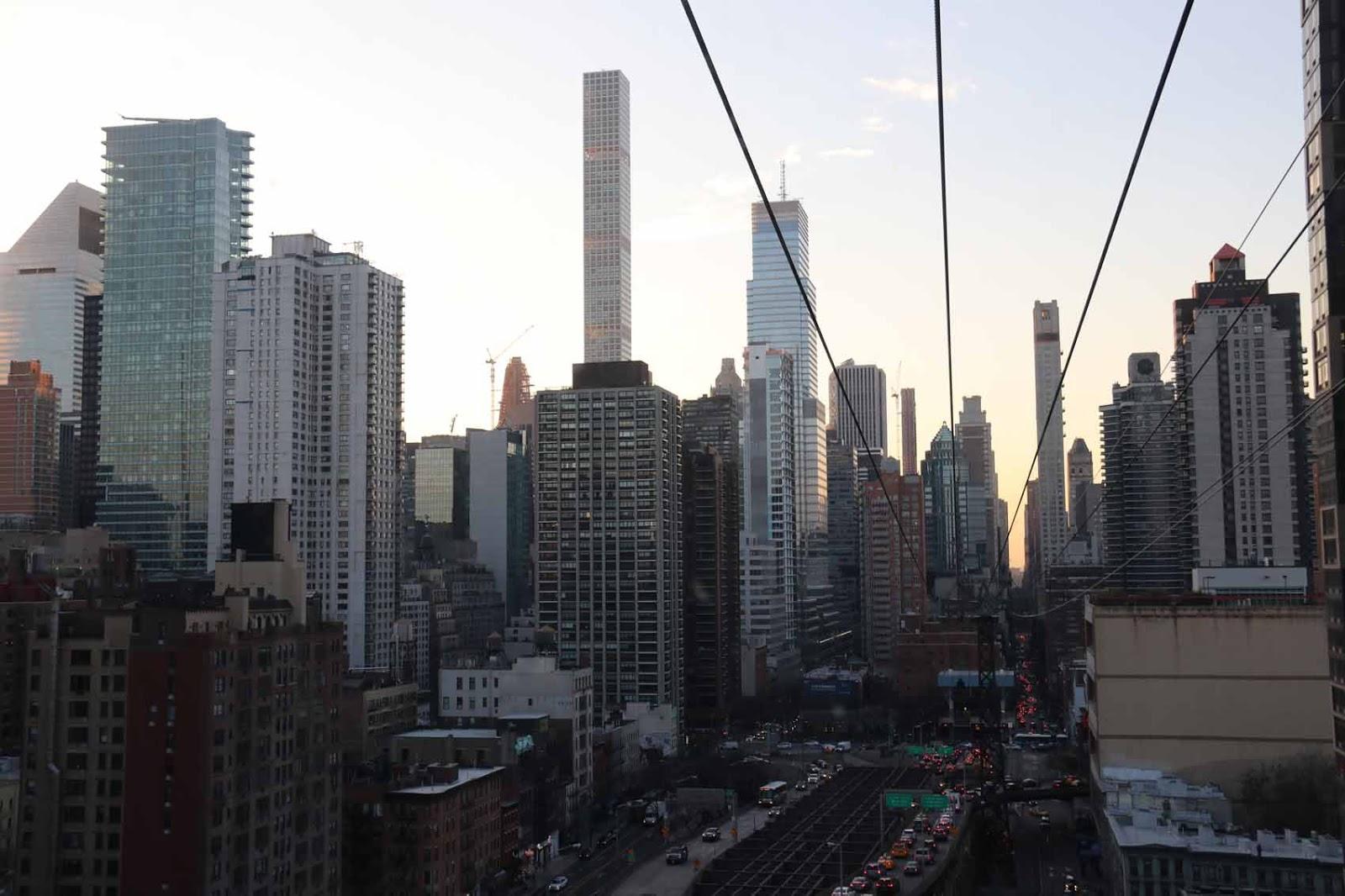 Manhattan auringonlaskun aikaan