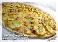 http://gourmandesansgluten.blogspot.fr/2013/09/tarte-fine-aux-courgettes-feta-miel-et.html