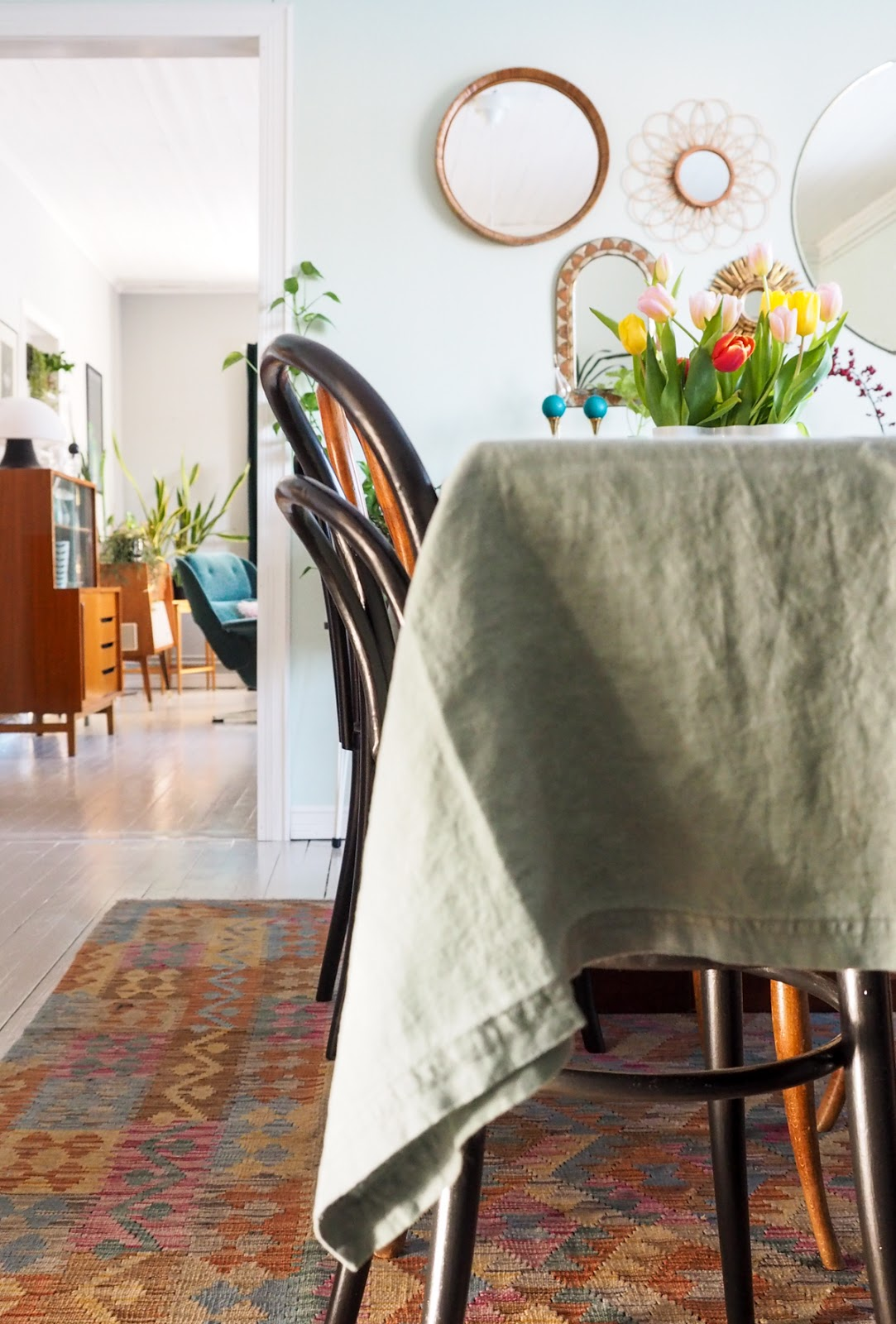 ruokapöytä, pellava pöytäliina