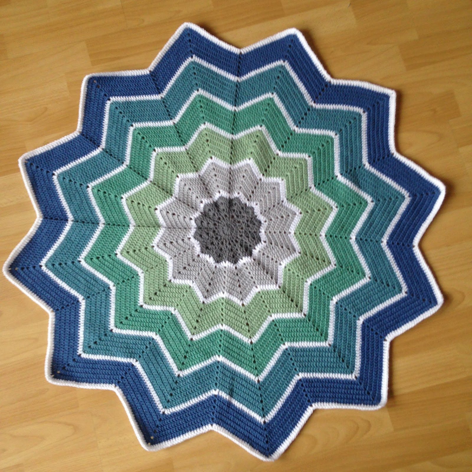Crochet between worlds: Star Blankets