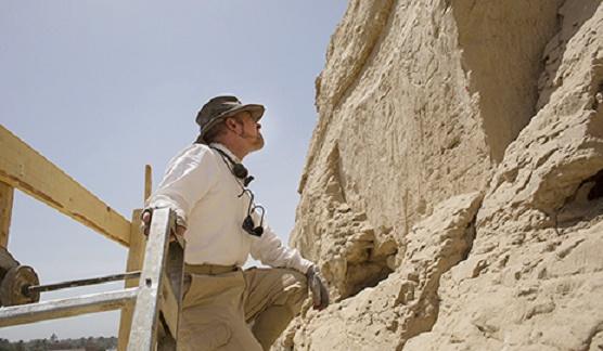 Archaeologists discover earliest monumental Egyptian hieroglyphs