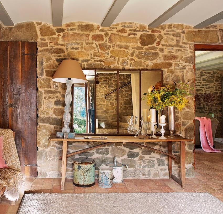 Hiszpański dworek z kamiennymi ścianami, wystrój wnętrz, wnętrza, urządzanie domu, dekoracje wnętrz, aranżacja wnętrz, inspiracje wnętrz,interior design , dom i wnętrze, aranżacja mieszkania, modne wnętrza, styl klasyczny, styl rustykalny, styl francuski, kamienna ściana, ściana z kamienia