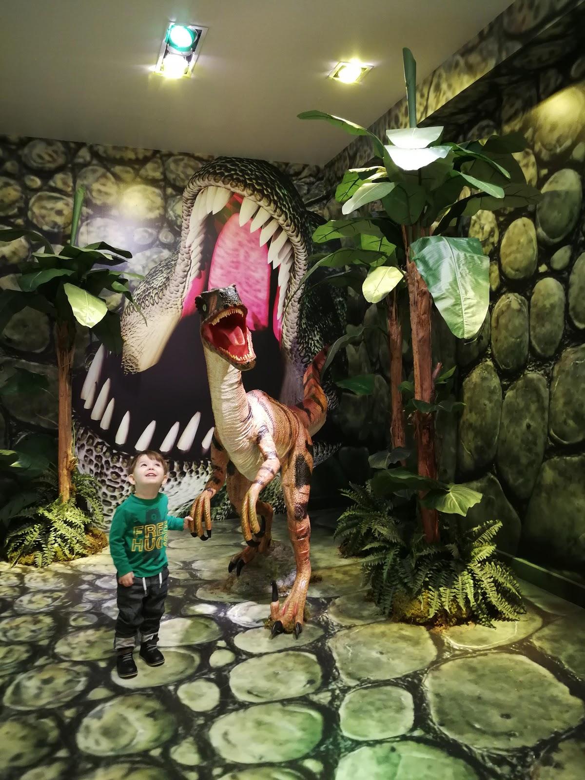 #The7TO Velociraptor Dinosaur