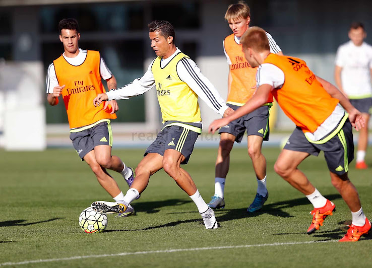 19db28998a Cristiano Ronaldo Trains in Modified Nike Mercurial Superfly CR7 324K Gold  Boots