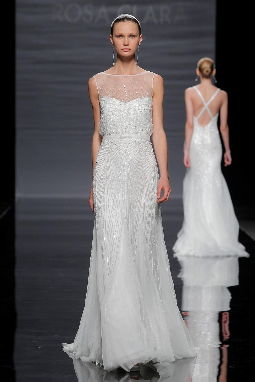 eaca4c2aaf El voile y el tul de seda natural combinado con sutiles encajes son tejidos  protagonistas para unos trajes de inspiración puramente romántica