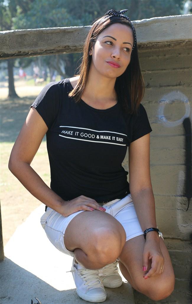 mulher-look-lacinho-tenis