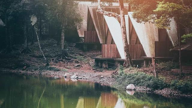 Gambar telaga Warna Puncak