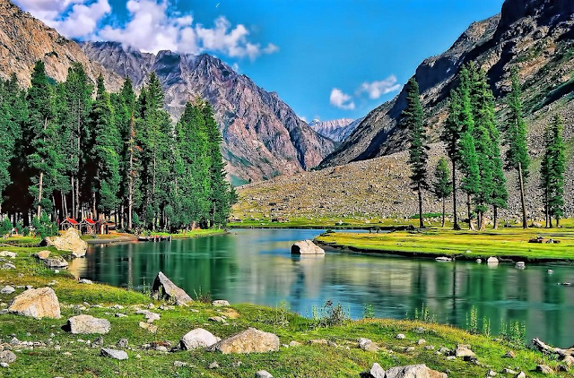 "Mahodand Lake ""Lake of Fishes"" is a lake about 40 km from Kalam, in the Usho Valley of Swat District, Khyber Pakhtunkhwa."