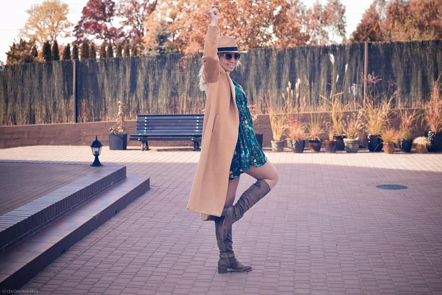 brąz, jesień, kozaki, porady, przegląd, stylistka, sukienka,