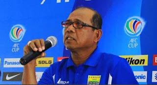 Emral Abus Resmi Jadi Pelatih Baru Persib Bandung