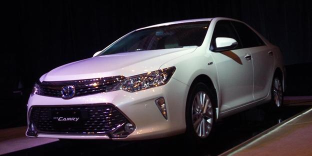 Mobil Toyota Camry - Inilah Kekurangan Dan Kelebihan Mobil Hybrid dan Non Hybrid