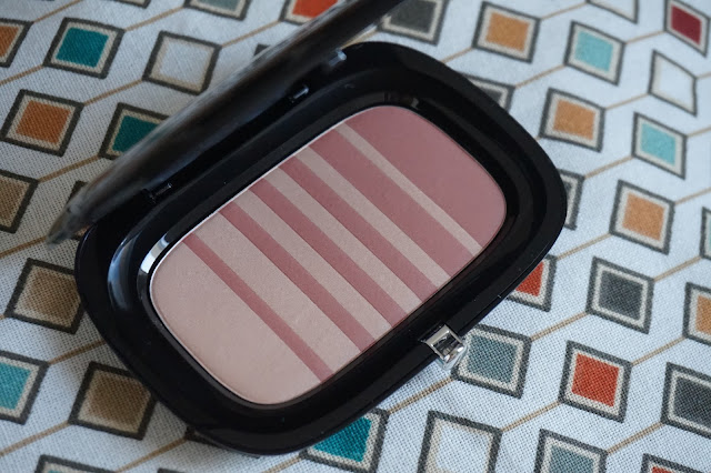 air-blush-flesh-and-fantasy-marc-jacobs-revue-avis-swatches-blush