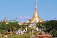 Yangon shwedagon pagoda seen from people park
