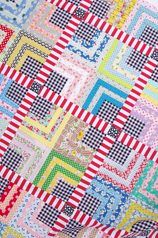 Quarter Log Cabin & Gingham Quilt | Red Pepper Quilts