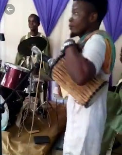Lamba Crooner 'Tedywonder' Displays his 'Ganga' Skills in Church
