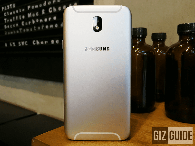 Pro is laid upwards to brand it inwards PH this early on July  Samsung Milky Way J7 Pro Unboxing And First Impressions