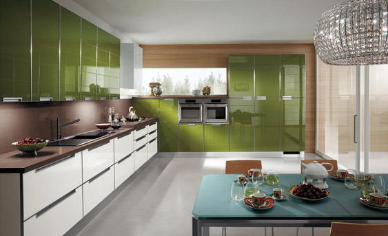 Dise o de cocinas con puertas en cristal - Cocinas con pared de cristal ...
