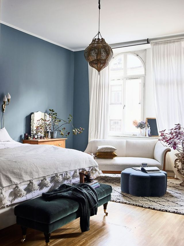 boho style, eclectic bedroom,  vintage furniture