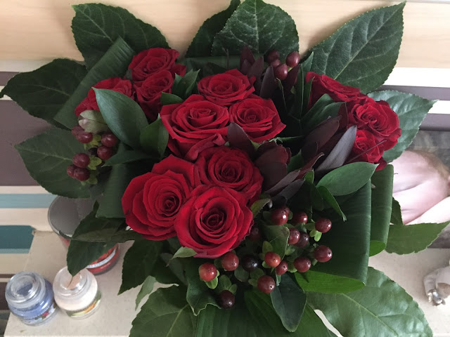 Large luxury red rose bouquet