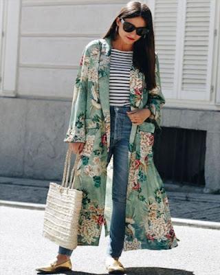 kimono verde con estampado floral