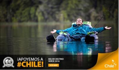 Cartel de la campaña muestra turista feliz flotando sobre un lago