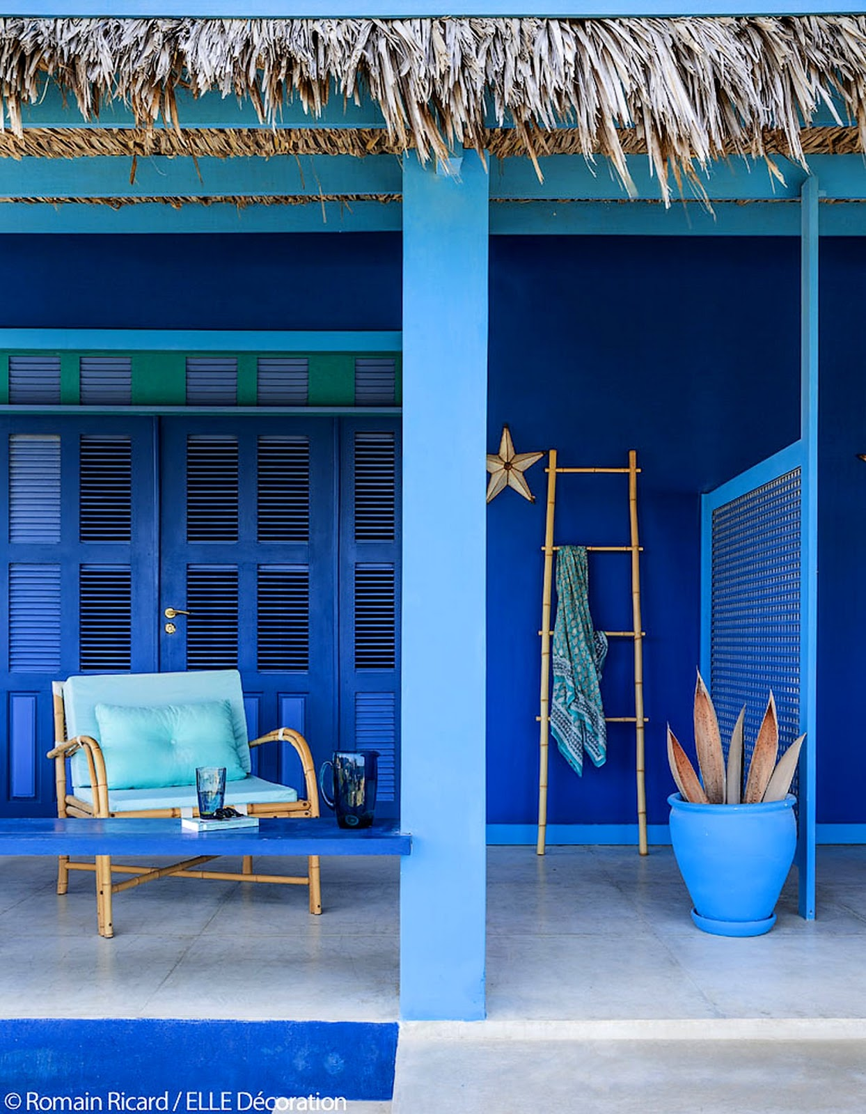 le bleu majorelle en decoration comme une. Black Bedroom Furniture Sets. Home Design Ideas