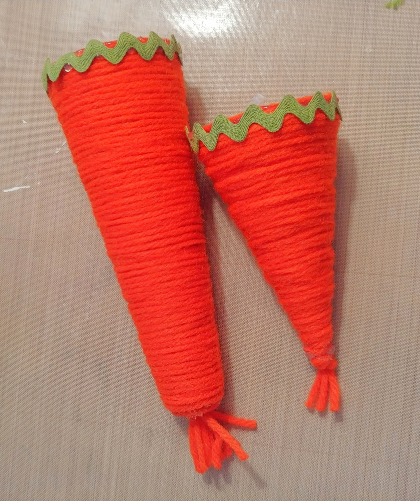 DIY Yarn Carrot Cones