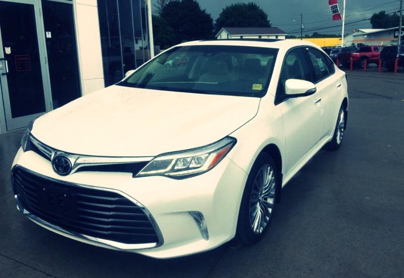 2018 Toyota Avalon Auto, Hybrid and Xle Premium