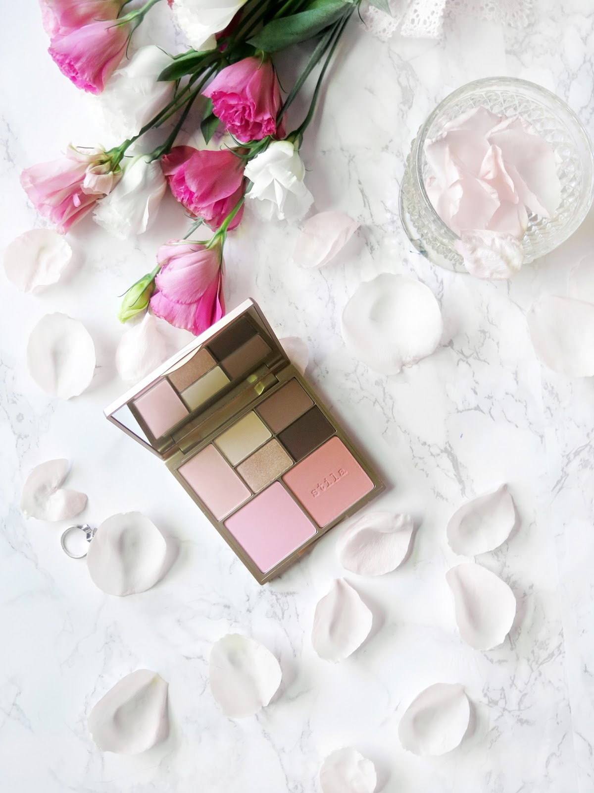 The Perfect Personalized Palette | Stila's Perfect Me Perfect Hue Palette in Fair/Light | Review & Swatches | labellesirene.ca