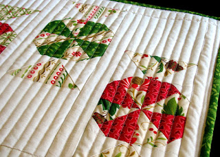 Candy Carousel quilted table runner pattern - detail #1