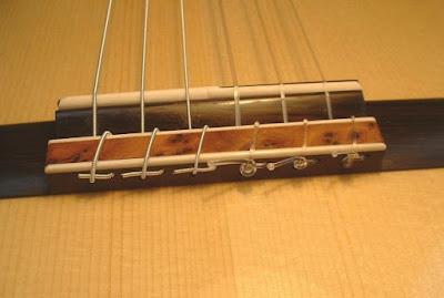 Bí quyết chọn mua dây đàn guitar classic tốt