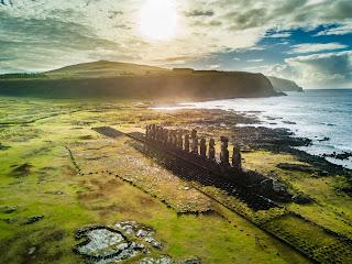 Ahu Tongariki y sus 15 moais, Isla  de Pascua, Chile, (Easter Island) DJI Done Mavic Pro