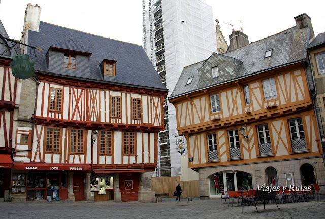 Plaza Henri-IV, Vannes