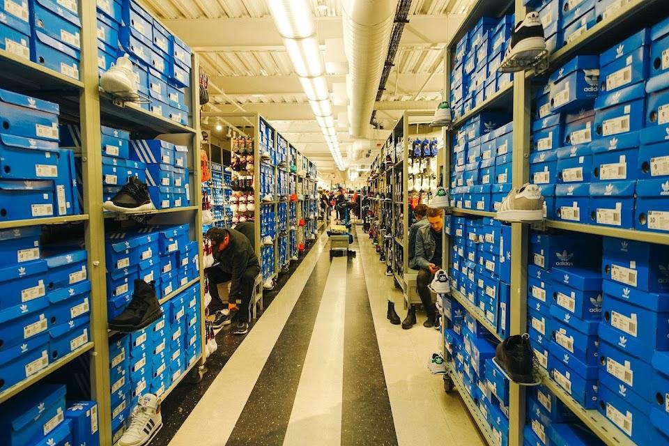 アディダス北米本社(adidas North America)Employee Store