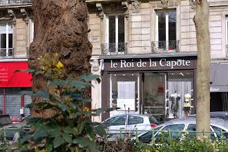 Nos Adresses : Le Roi de la Capote, 1ère parapharmacie spécialisée dans la vente de préservatifs - Paris 11