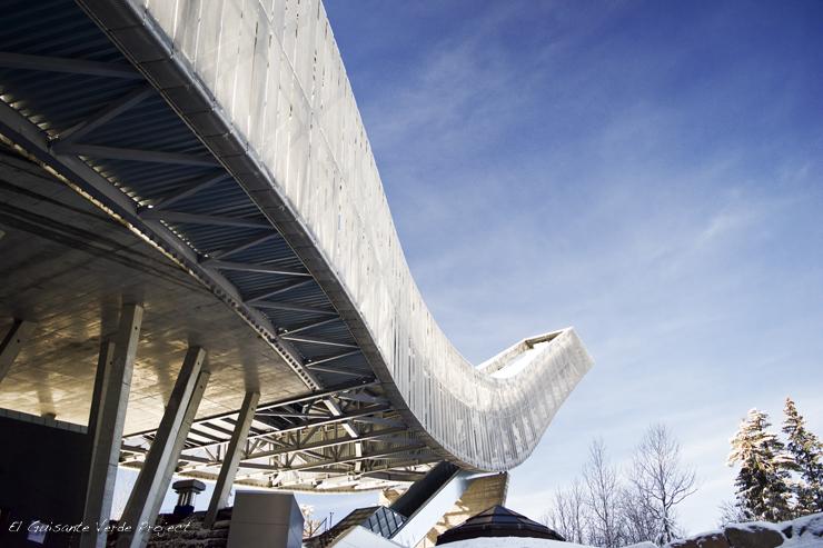 Estructura del Holmenkollen, invierno en Oslo por El Guisante Verde Project