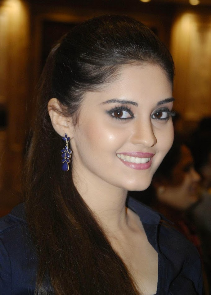 Surabhi Looks Super Sexy At Tamil Film 'Velaiyilla Pattathari' Press Meet In Chennai #Surabhi