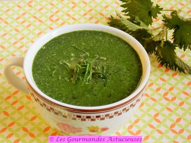 Soupe aux orties et aux algues