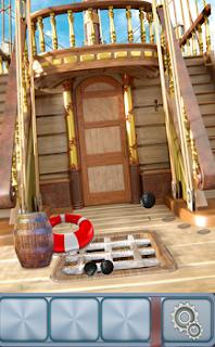 По всей палубе на 7 уровне перекатываются разные предметы