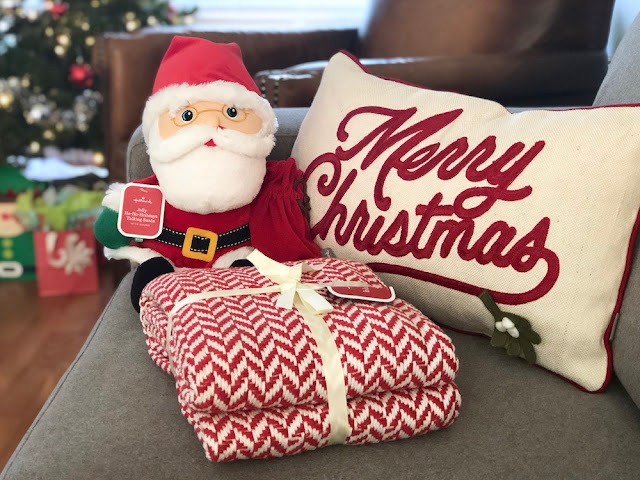 Hallmark Canada Interactive Santa Plush Blanket Merry Christmas Pillow #LoveHallmarkCA