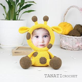 Crochet photo frame giraffe amigurumi doll